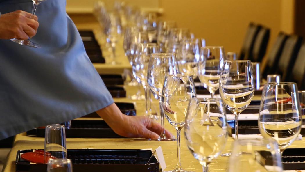 luxury restaurant glass Japan Tour